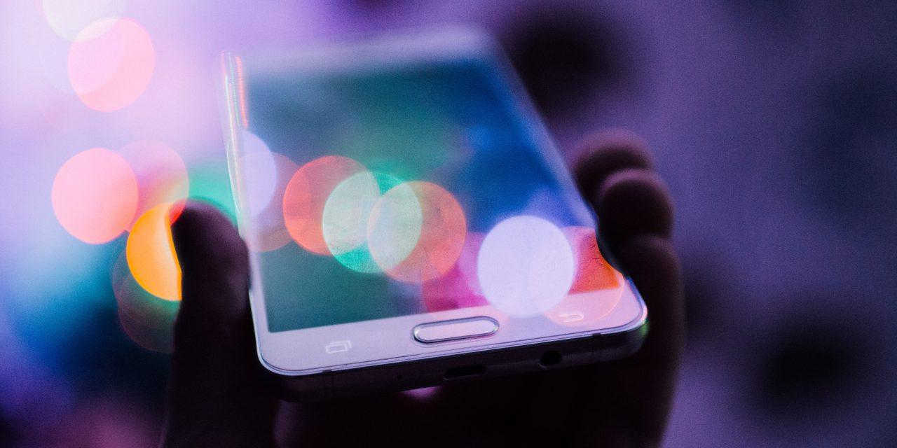 Chez les journalistes, l'arrivée des digital natives change le rapport aux réseaux sociaux
