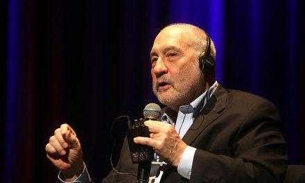 Des prix Nobel demandent un «pacte international sur l'information et la démocratie»