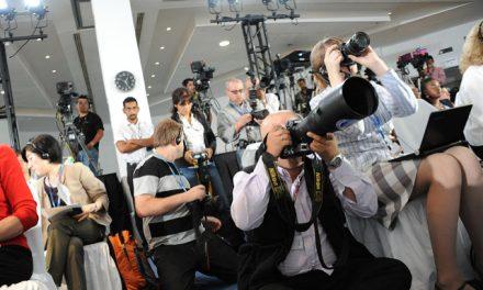 Un collectif à l'écoute des critiques contre les journalistes